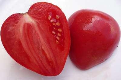 Мясистые помидоры хорошо подходят в свежем виде для приготовления салатов. Из них выходит отличный сок или паста.