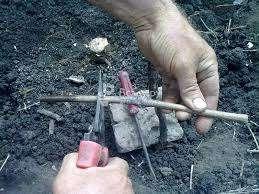 Особые условия климата в некоторых регионах принуждают садоводов заводить на своих участках теплицы для выращивания растений при оптимальных условиях. Постройка теплицы для винограда отнимает много вр